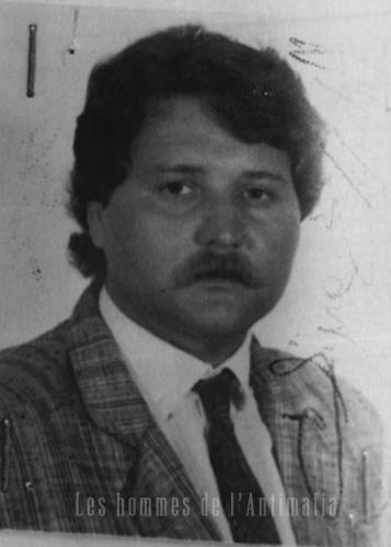 Agent Walter Cosina