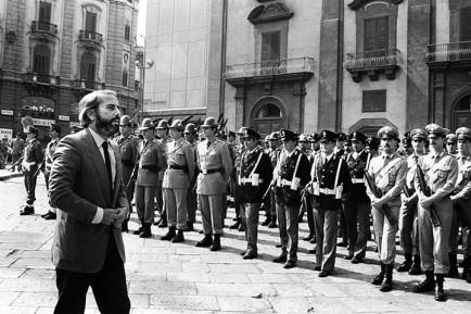 Giovanni Falcone at the funeral of Carlo Alberto Dalla Chiesa