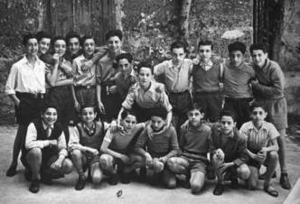 Giovanni Falcone au centre de la photo en Huitième year