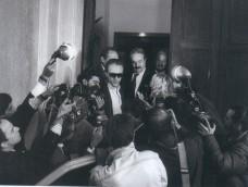 Giovanni Falcone après l'audience du Conseil supérieur de la Magistrature où il sera lâché par les siens... (Rome 1986)