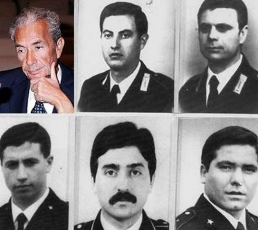 De gauche à droite, le président Aldo Moro et les agents de son escorte Domenico Ricci, Oreste Leonardi, Raffaele Iozzino, Francesco Zizzi et Julius Rivera.