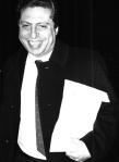 """Domenico SIGNORINO (1944-1992). Substitut du procureur de la République de Palerme, il contribue avec Giuseppe Ayala à la rédaction du réquisitoire du premier maxi-procès contre la Mafia. Il exerce pendant une brève période la fonction de procureur général à Marsala pour retourner ensuite à Palerme comme substitut du procureur général. Il se suicide le 4 décembre 1992 à la suite du scandale provoqué par les articles de journaux qui, reprenant certaines déclarations du """"repenti"""" Gaspare Mutolo, évoquaient ses contacts présumés avec Cosa Nostra."""