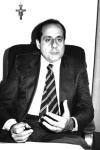 Vincenzo GERACI est substitut du procureur de la République à Palerme. Il contribue à la rédaction du réquisitoire du 1er maxi-procès. Il a entretenu de bons rapports d'amitiés avec plusieurs membres du pool antimafia, notamment avec Paolo Borsellino. Leurs relations amicales d'arrêtera en 1988, quand Geraci ne vote pas la nomination de Falcone en tant que Conseiller instructeur de Palerme.