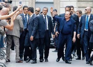L'escorte de Silvio Berlusconi