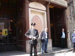 Le restaurateur Vincenzo Conticello est un entrepreneur constamment sous escorte policière