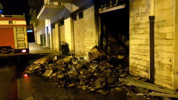 La magasin incendié par la mafia calabraise