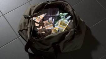les-trafiquants-de-drogue-pieges-parce-quils-navaient-pas-marque-larret-au-stop-1373752